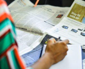media monitor reading print media